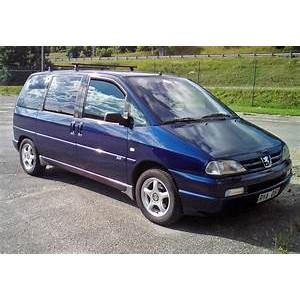 Příčníky Thule WingBar Black Peugeot 806 1994-2001 s T-profily